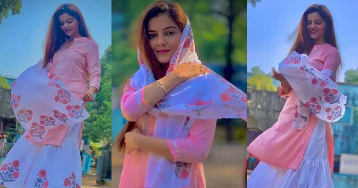 बेहद सिंपल लुक में 'किन्नर बहु' ने ढाया कहर, खूबसूरती की तारीफ करते नहीं थक रहे फैंस